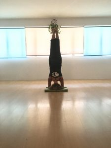 Backbends, Inversiones and your mood - Karmuka Yoga